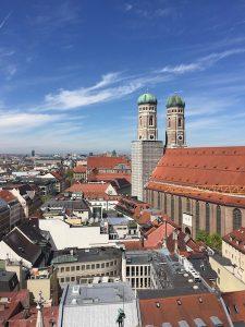 新市庁舎から見たFrauenkirche